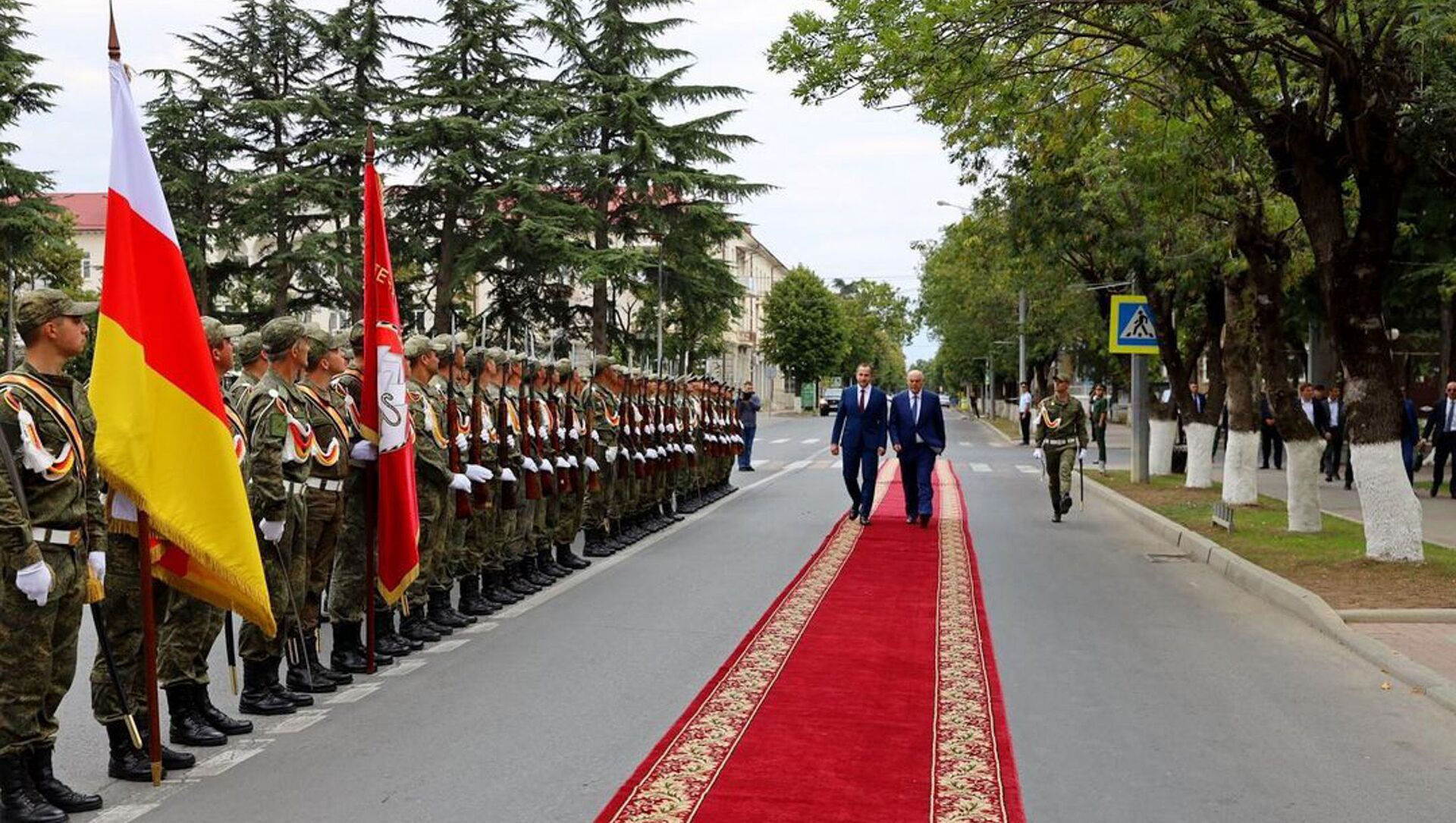 Президент Абхазии Аслана Бжания в Южной  Осетий  - Sputnik Аҧсны, 1920, 09.08.2021