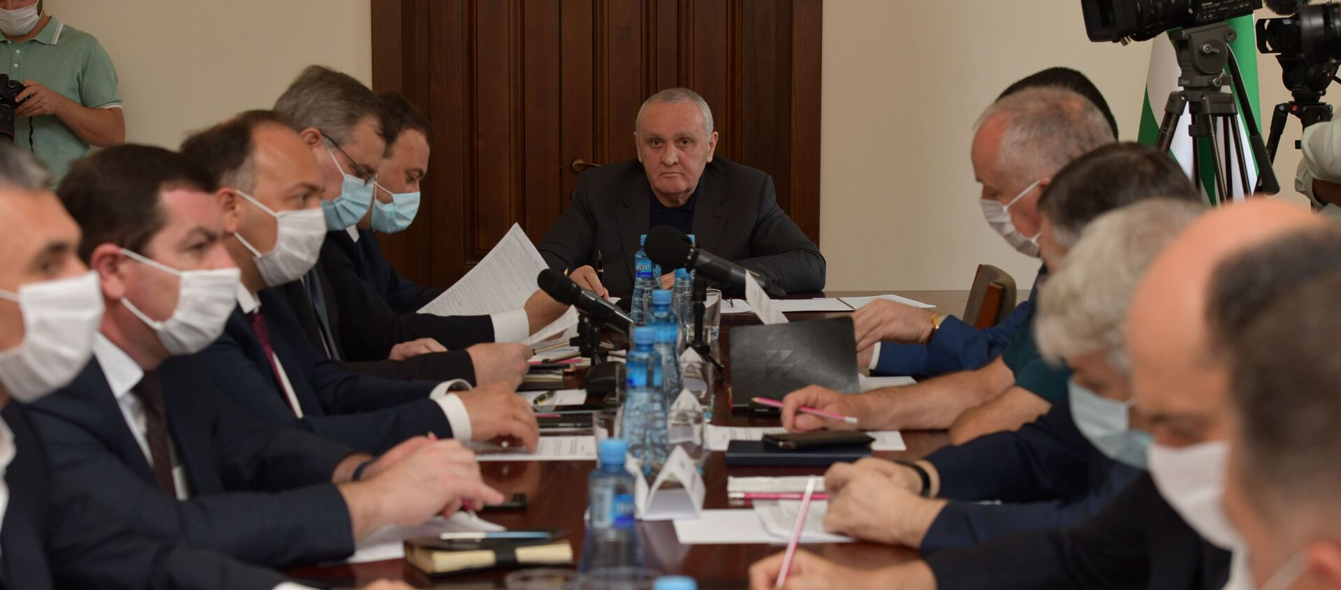 Стабильно сложно: заседание Координационного штаба по борьбе с COVID-19 - Sputnik Абхазия, 1920, 12.08.2021