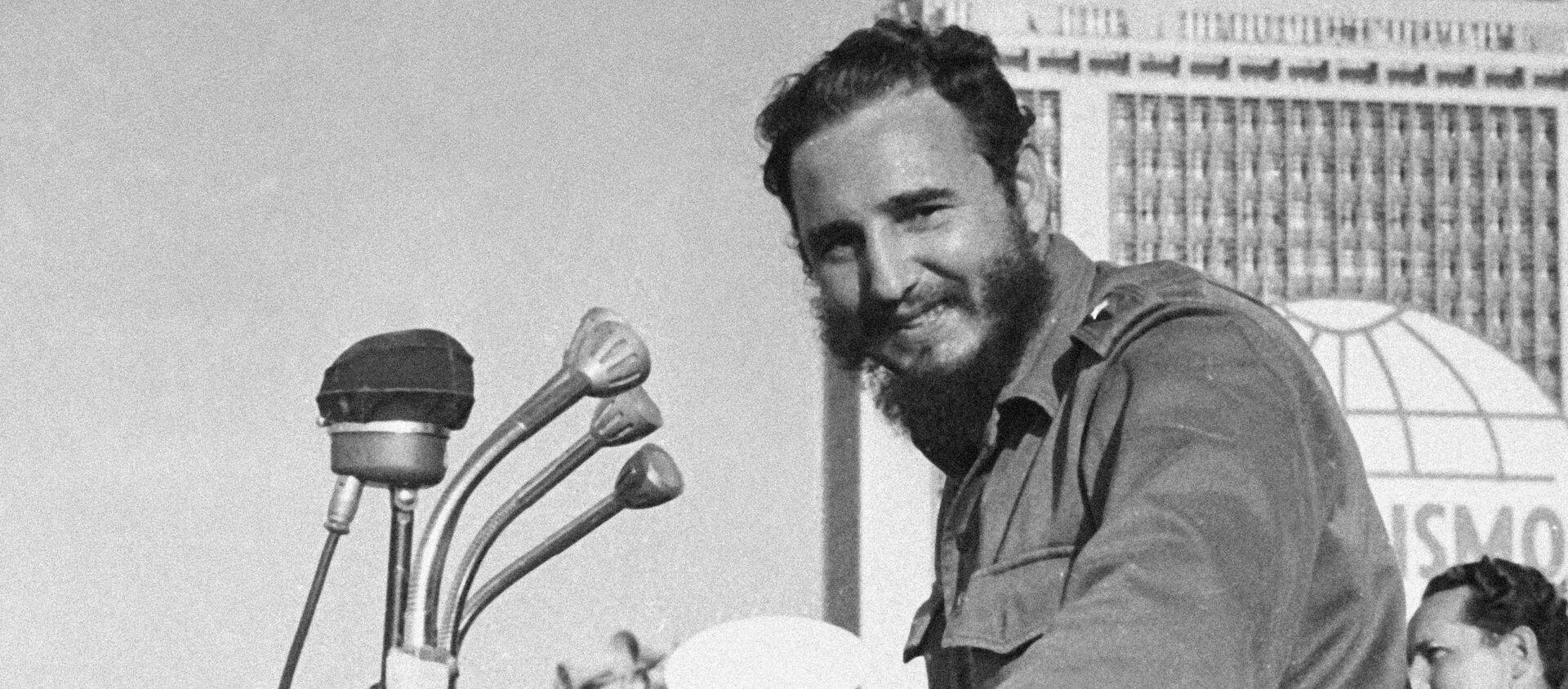 Кубинский лидер Фидель Кастро Рус на выступлении. - Sputnik Абхазия, 1920, 13.08.2021