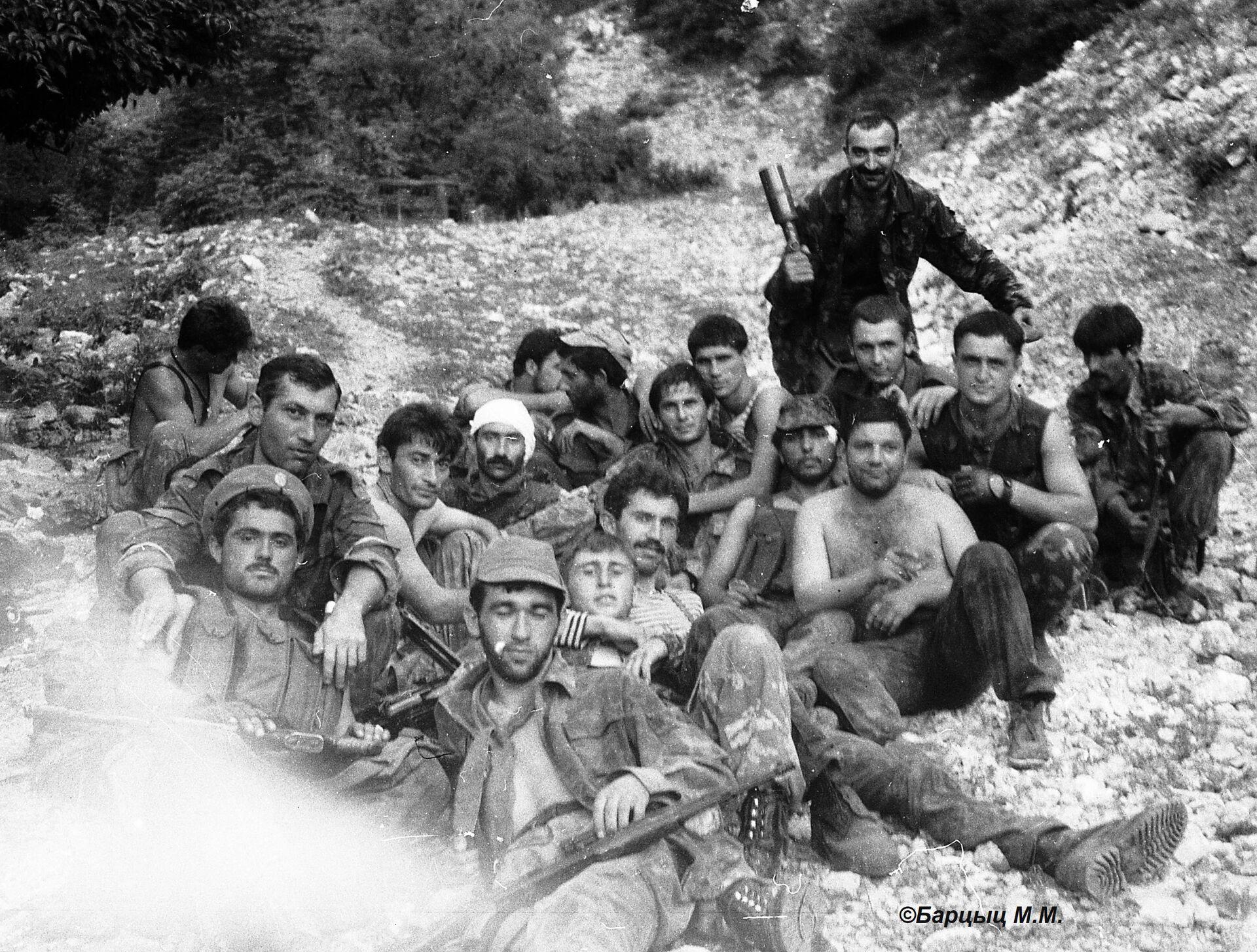 Кабардинская группа с командиром М.Шоровым. 25.07.1993. после взятия Ахбюка. - Sputnik Абхазия, 1920, 12.10.2021