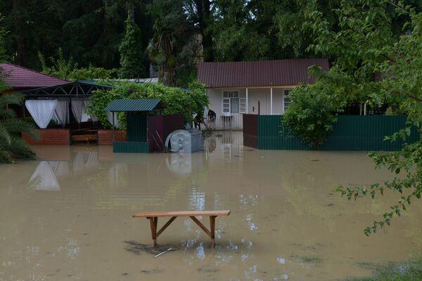 Проливной дождь прошел в Абхазии в ночь с 15 на 16 августа. - Sputnik Абхазия