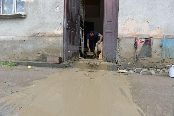 Сухумцам сегодня предстоит провести в домах и подъездах генеральную уборку. - Sputnik Абхазия