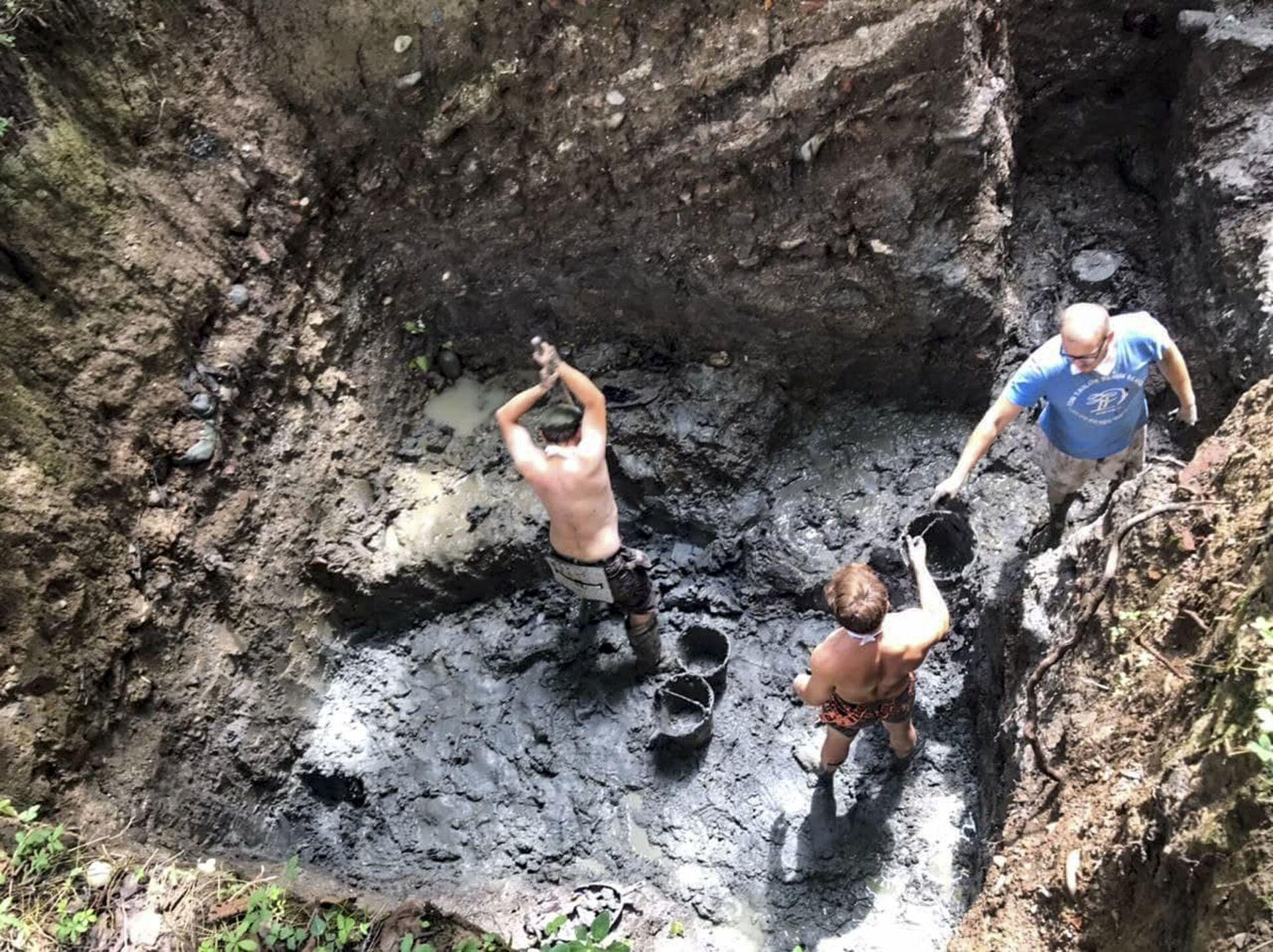 В городе Очамчыра на античном городище Гюэнос уже три года ведутся совместные археологические раскопки абхазских и российских ученых - Sputnik Абхазия, 1920, 12.10.2021
