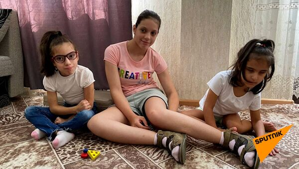 Вперед за мечтой: Ашана собирает деньги на лечение девочек с ДЦП  - Sputnik Абхазия