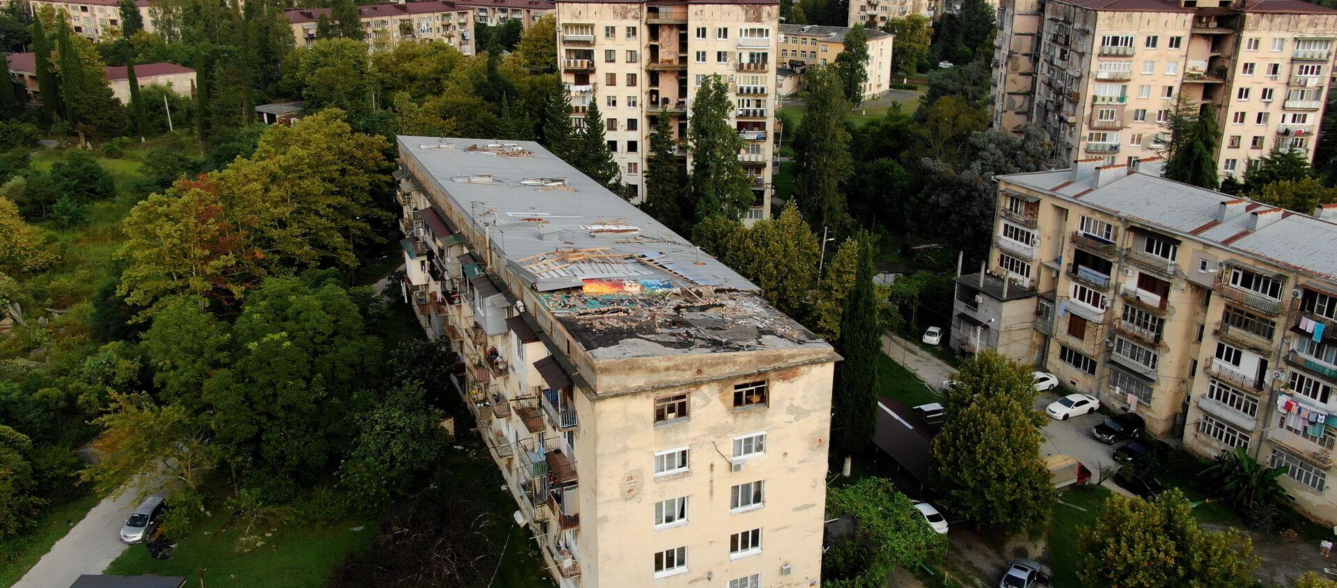 Пострадавший от ливней дом  по улице Гумистинская - Sputnik Абхазия, 1920, 24.08.2021