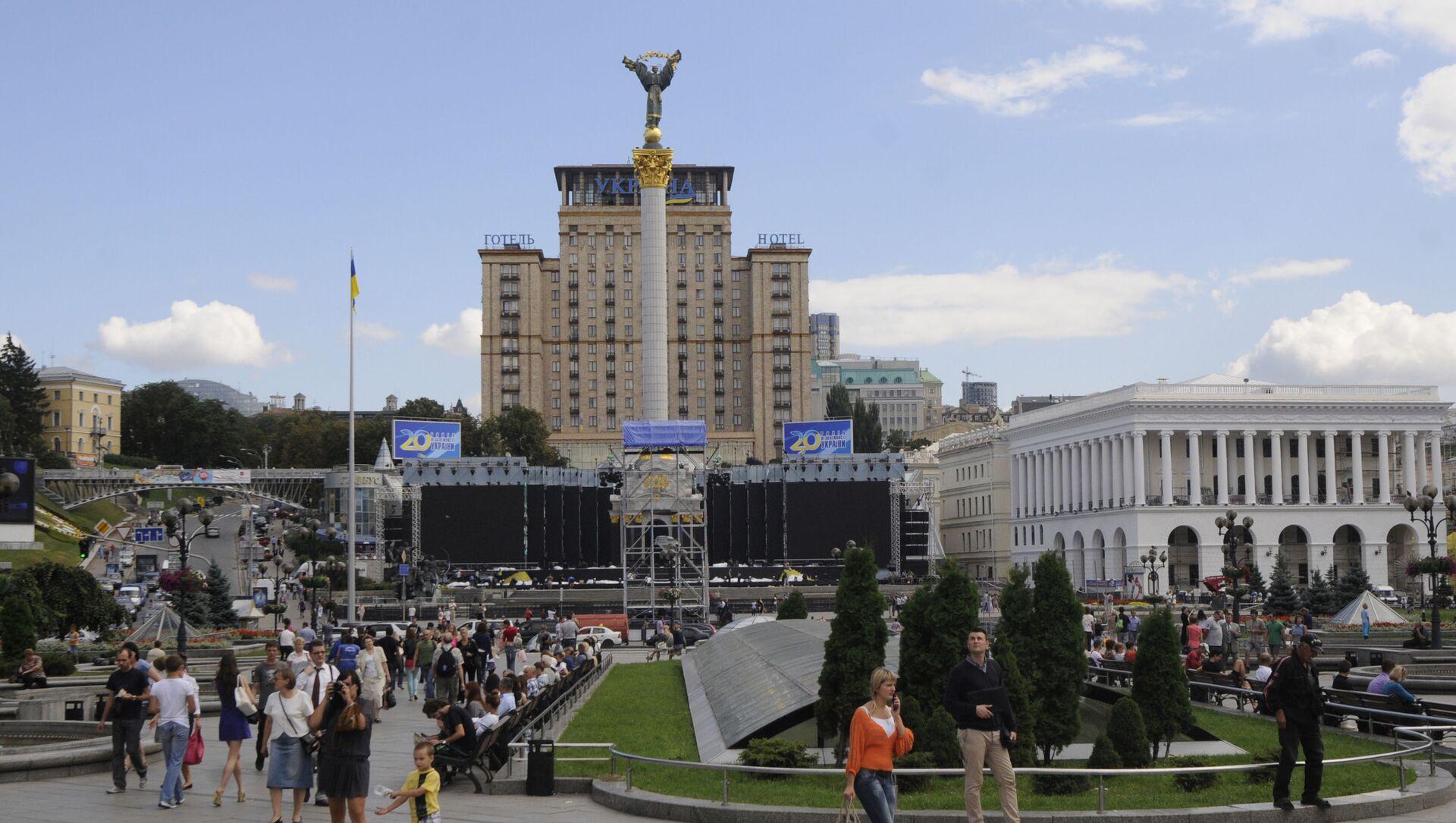 Вид на главную площадь Киева, Украина, понедельник, 22 августа 2011 г. Киев - один из четырех городов Украины, принимающих футбольный турнир Евро-2012 - Sputnik Абхазия, 1920, 02.09.2021