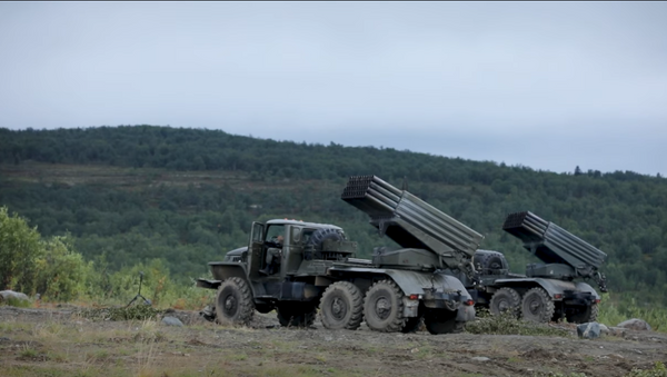 В армейском корпусе Северного флота состоялось учение реактивных батарей с боевой стрельбой - Sputnik Абхазия