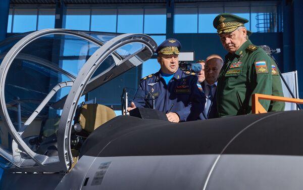 Министр обороны России осмотрел новейшие разработки на форуме Армия-2021 - Sputnik Абхазия