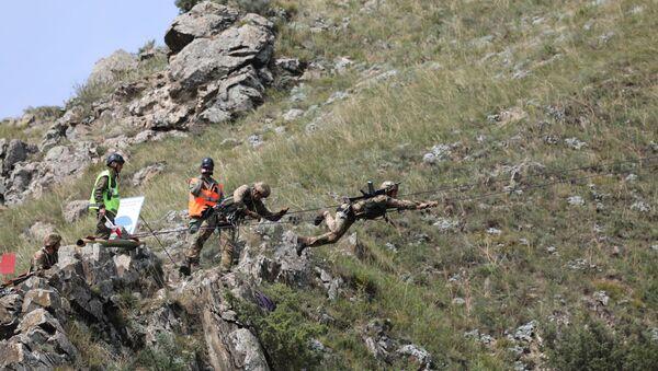 Участники «Эльбрусского кольца» преодолели горную полосу препятствий - Sputnik Абхазия