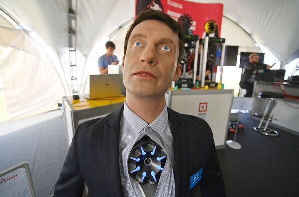 Робот-консультант Промобот v4, представленный на открытой экспозиционной площадке Конгрессно-выставочного центра Патриот в рамках международного военно-технического форума Армия-2021. - Sputnik Абхазия