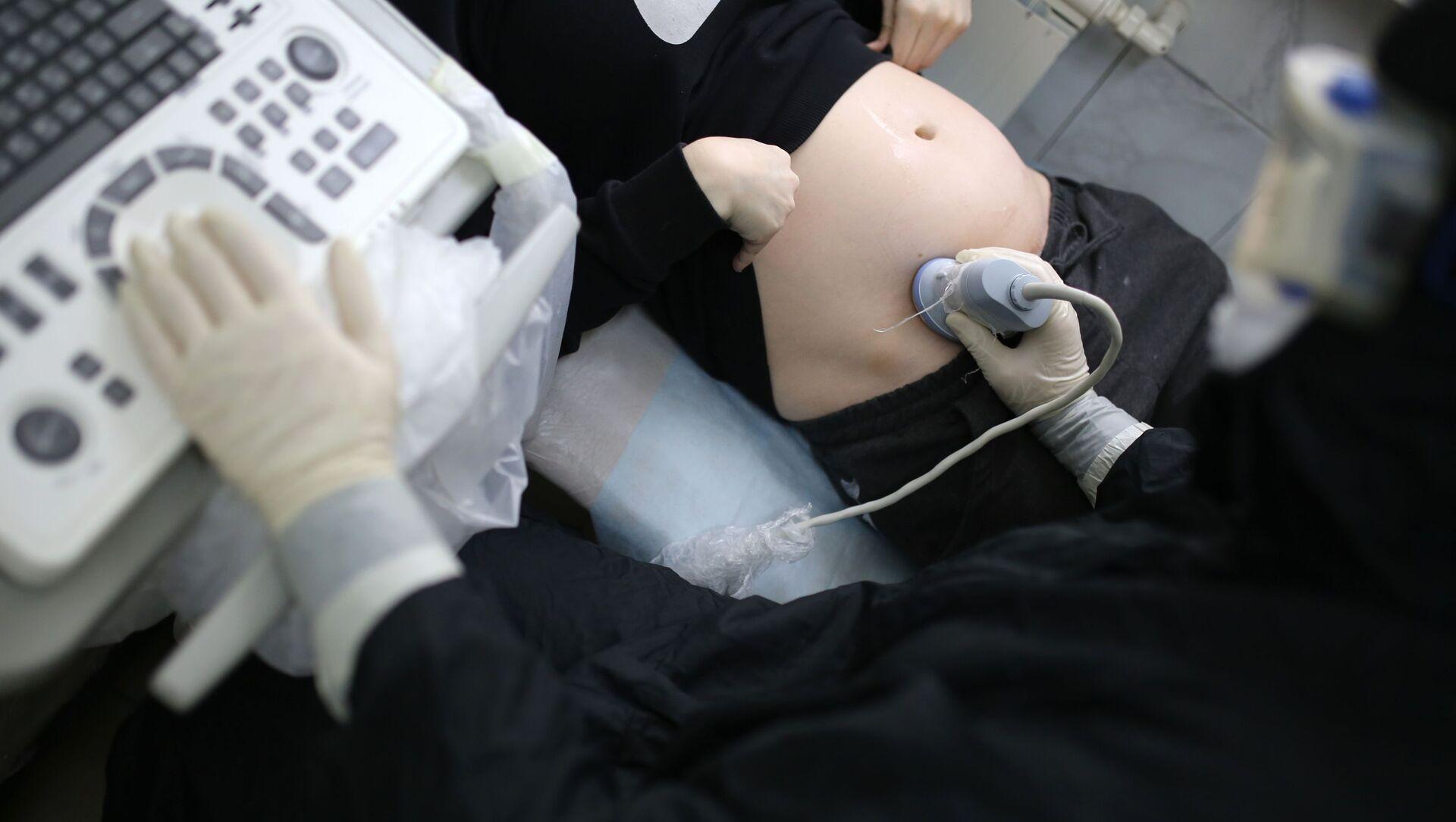 Рождение ребенка в красной зоне городской больницы Волгограда - Sputnik Аҧсны, 1920, 30.08.2021