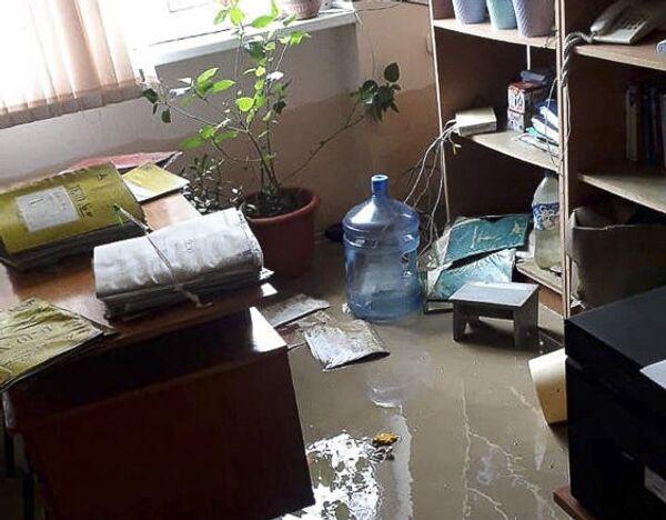 Последствия потопа в школе на Чанба  - Sputnik Абхазия