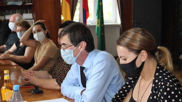 Центр правозащиты российских соотечественников в Абхазии договорился с руководством Галского района о сотрудничестве  - Sputnik Аҧсны