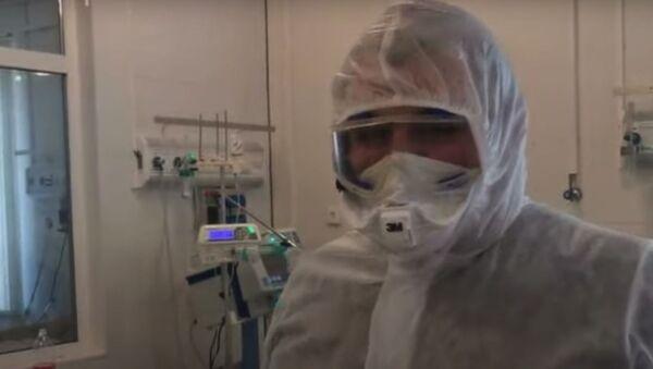 Тяжелые случаи участились – реаниматолог о заболеваемости коронавирусом - Sputnik Абхазия