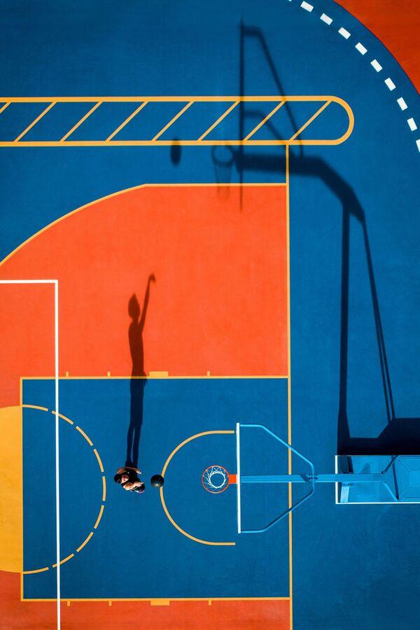 Снимок One Shot фотографа Lampson Karmin Yip, высоко оцененный в категории Sport конкурса Drone Awards 2021 - Sputnik Абхазия