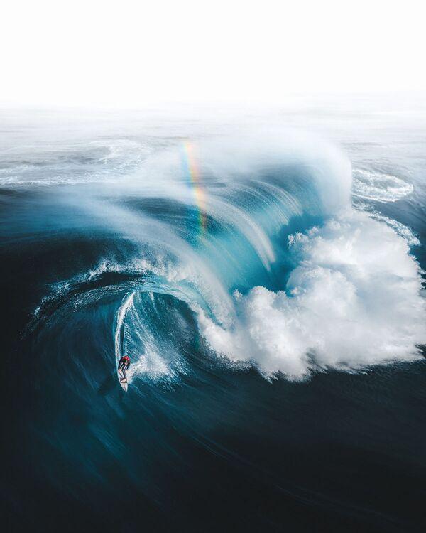 Снимок Gold at the End of the Rainbow фотографа Phil De Glanville, занявший 1 место в категории Sport в конкурсе Drone Awards 2021 - Sputnik Абхазия