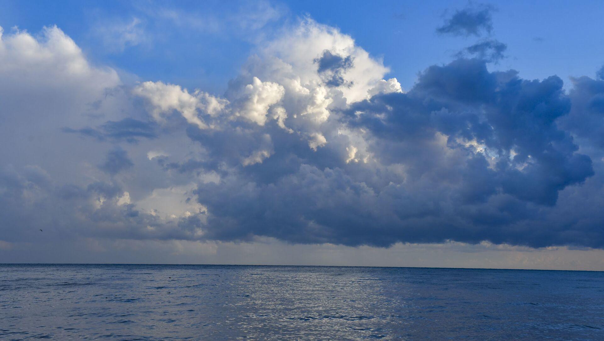 Облака в пасмурную погоду   - Sputnik Абхазия, 1920, 08.09.2021