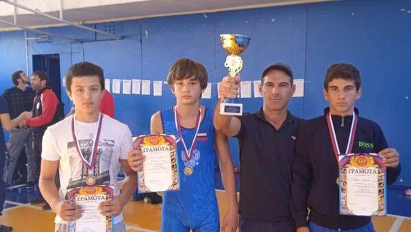 Борцы из Куланырхуа взяли комплект медалей на соревнованиях   - Sputnik Аҧсны