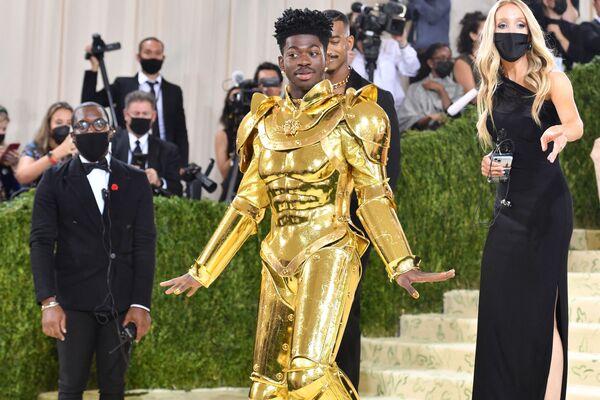 Американский рэпер Lil Nas X прибывает на Met Gala 2021, США. - Sputnik Абхазия