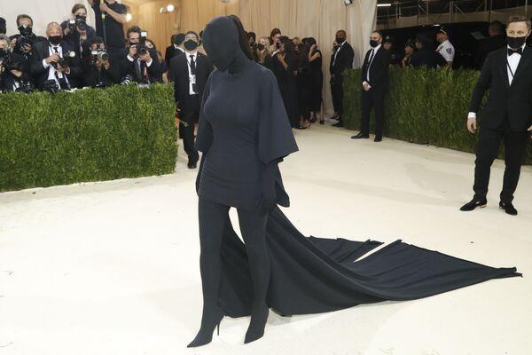 Американская звезда реалити-шоу, актриса и фотомодель Ким Кардашьян на Met Gala 2021 в Нью-Йорке. - Sputnik Абхазия