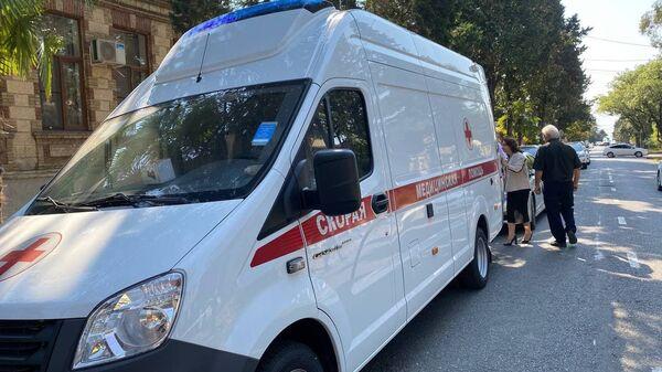 Минздрав передал в пользование районным больница Очамчыры и Нового Афона две машины Скорой помощи - Sputnik Абхазия
