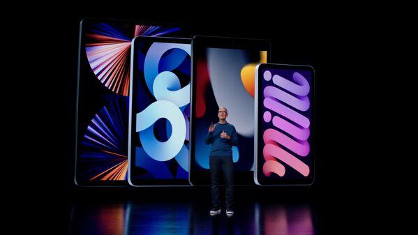 Генеральный директор Apple Тим Кук во время презентации новейших моделей iPad и iPad mini. - Sputnik Абхазия