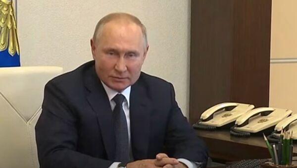 Путин проголосовал на выборах в Госдуму онлайн - Sputnik Абхазия