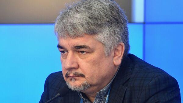 Ищенко: В Афганистане верхушка талибов научилась носить смокинг, а на Украине верхушка деградировала - Sputnik Абхазия