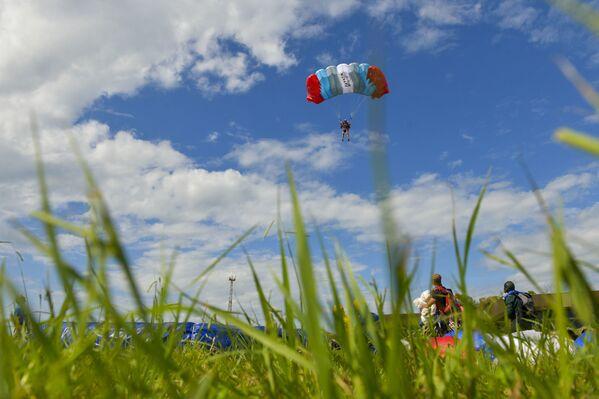 По признанию спортсменов, погода выдалась благополучной для прыжков.  - Sputnik Абхазия