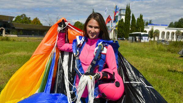 Cоревнования по парашютному спорту открылись в Абхазии - Sputnik Абхазия