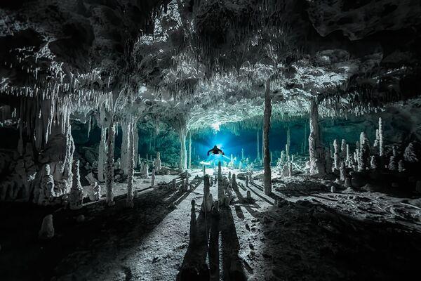 Снимок фотографа Martin Broen, победивший в категории Exploration Photographer of the Year конкурса Ocean Photographer of the Year 2021 - Sputnik Абхазия