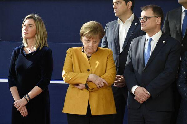 Верховный представитель ЕС Федерик Могерини, канцлер Германии Ангела Меркель, премьер-министр Греции Алексис Ципрас и премьер-министр Финляндии Юха Сипила в Брюсселе. - Sputnik Абхазия