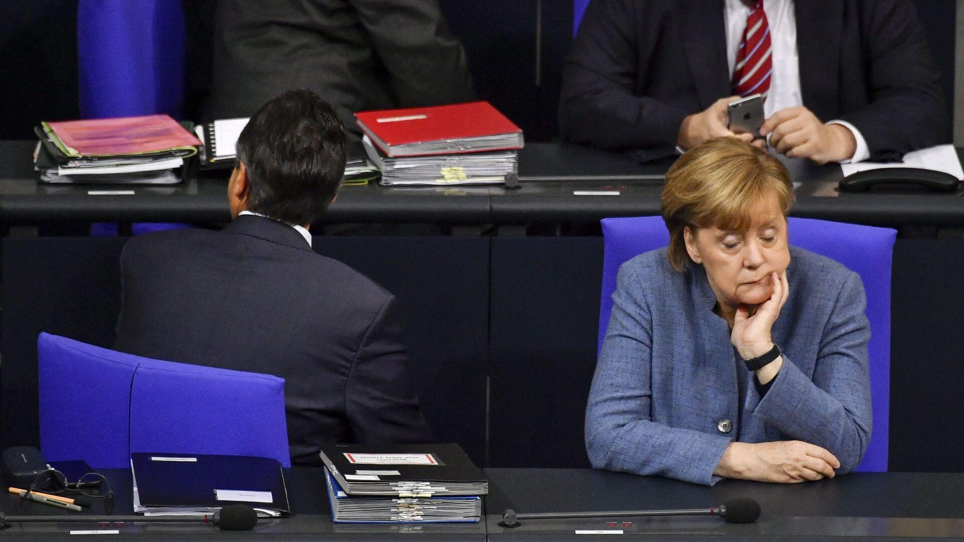Канцлер Германии Ангела Меркель в Бундестаге  - Sputnik Абхазия, 1920, 09.10.2021