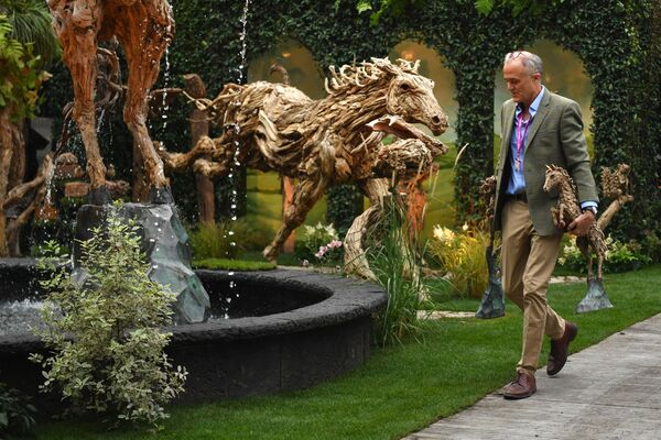 Выставка скульптур на Цветочном шоу Челси в Лондоне. - Sputnik Абхазия