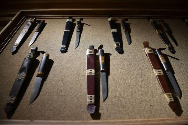 Многие участники фестиваля решили изготовить абхазские ножи. - Sputnik Абхазия