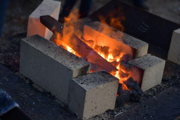 Мастера также продемонстрируют свои навыки в изготовлении дамасской стали. - Sputnik Абхазия