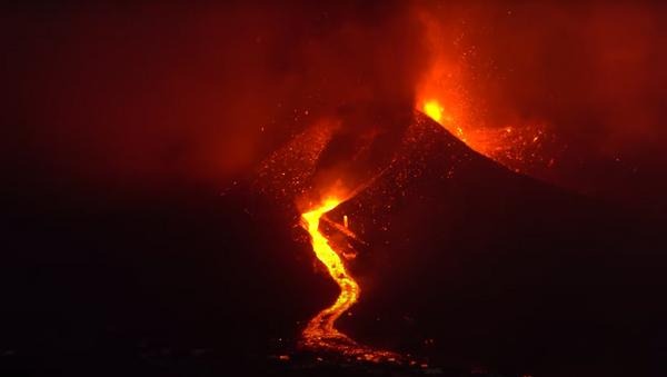 В Испании вулкан на острове Пальма извергается седьмой день - Sputnik Абхазия