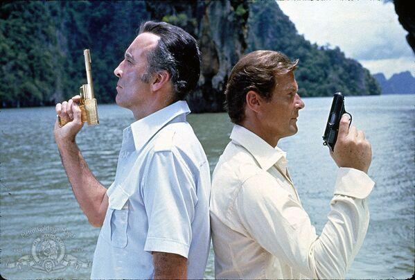 Кадр из фильма Человек с золотым пистолетом, который снимали также в Таиланде в заливе Пханг Нга. - Sputnik Абхазия