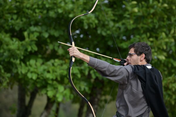 Соревнования лучников были приурочены ко Дню Победы и Независимости Абхазии. - Sputnik Абхазия