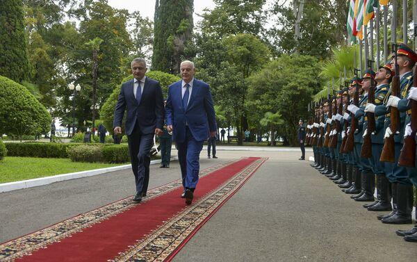 Встреча президентов Абхазии и Южной Осетии состоялась в Сухуме - Sputnik Абхазия