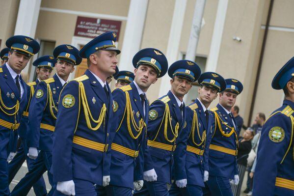 В шествии приняло участие около 500 абхазских и российских военнослужащих. - Sputnik Абхазия