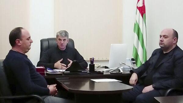 Временно исполняющий обязанности министра внутренних дел Республики Абхазия Руслан Ажиба провел совещание с заместителями министра и руководителями подразделений центрального аппарата ведомства. - Sputnik Аҧсны