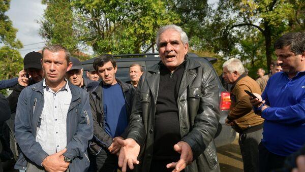 Обстановка вокруг здания Правительства - Sputnik Абхазия