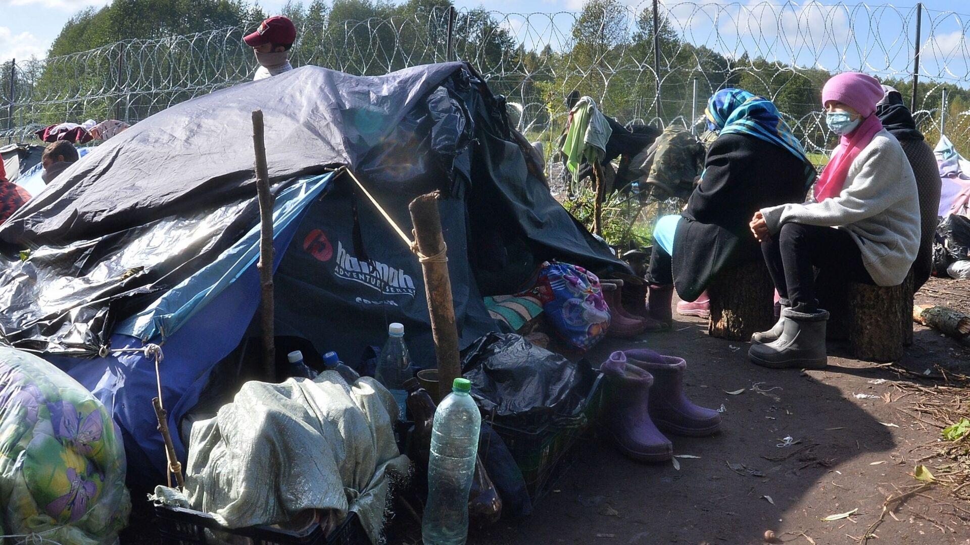 Лагерь беженцев на белорусско-польской границе - Sputnik Абхазия, 1920, 05.10.2021