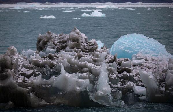 Лед у ледника Экип Сермия в Гренландии - Sputnik Абхазия