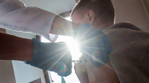 В ГУМе открыли пункт вакцинации от COVID-19 - Sputnik Абхазия