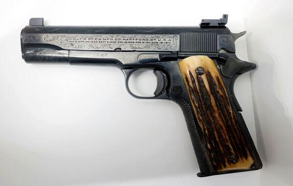 Любимый пистолет американского гангстера Аль Капоне. - Sputnik Абхазия