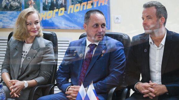 Госкомиссия на Байконуре утвердила первый в мире киноэкипаж к полету на МКС - Sputnik Абхазия