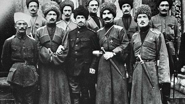 Офицеры Дикой дивизии. Архивное фото. - Sputnik Абхазия