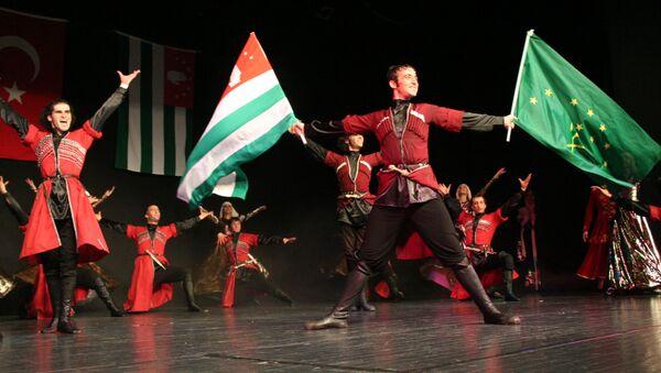 Хочу внести свой вклад в искусство танцев родной Абхазии - Джихат Агрба - Sputnik Абхазия